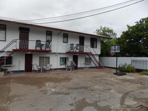 At Rachel, Paramaribo
