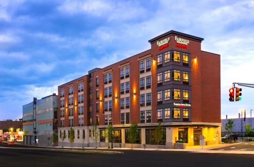 Picture of Fairfield Inn & Suites by Marriott Boston Cambridge