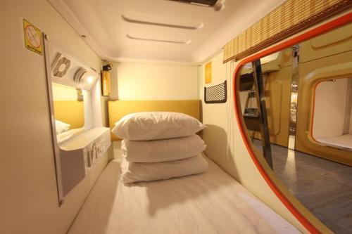 Отель Simple Capsule Hotel Xi'an Giant Wild Goose Pagoda 0 звёзд Китай