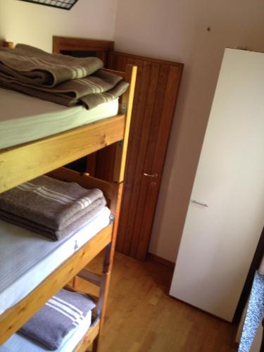 Bed in 3-bed gemengde slaapzaal (Bed in 3-Bed Mixed Dormitory Room)