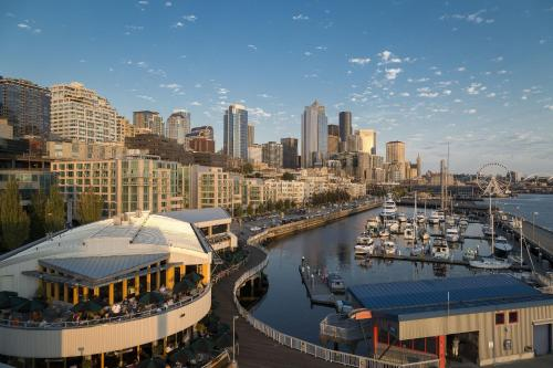Seattle Marriott Waterfront - 4.5 star rating for travel with kids
