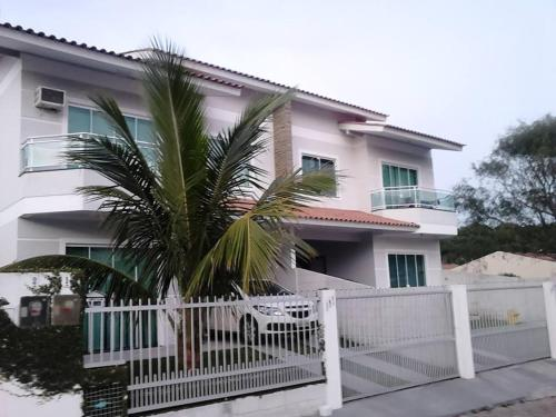 Casa Ingleses Santinho front view
