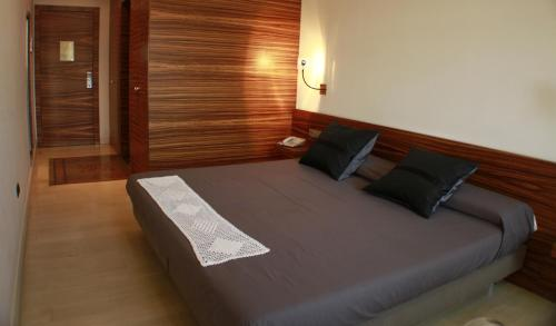 Superior Double Room Hotel Sant Roc 24