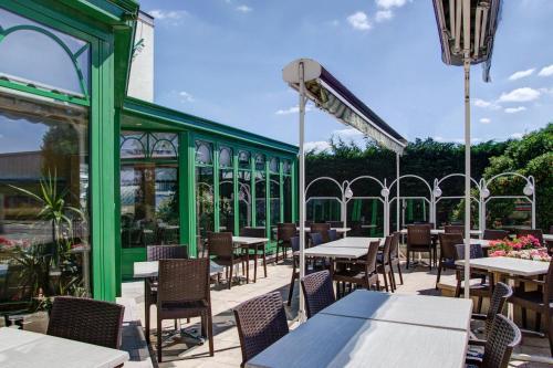 hotel l 39 escargoti re dijon sud chenove chenove france overview. Black Bedroom Furniture Sets. Home Design Ideas