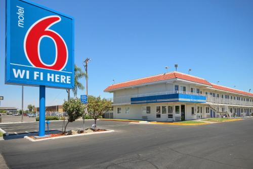 Picture of Motel 6 Fresno - Blackstone South