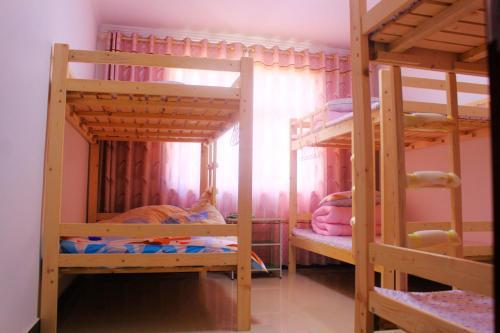 Guyuan Muzi Xiaowu Youth Hostel