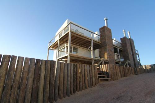 Ménage à Trois, Punta Del Diablo