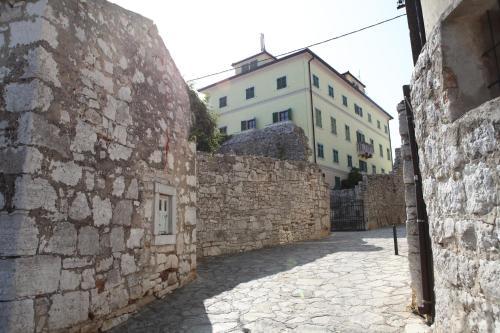Apartment In Castle