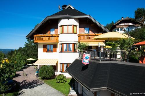 Ferienhaus Holzer - Studio-Apartment mit Balkon und Seeblick