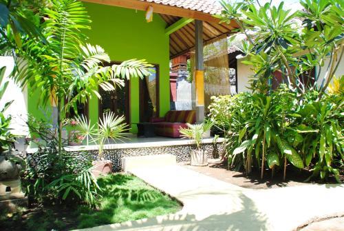 Kubu Sari Guest House