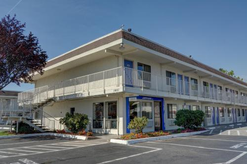 Picture of Motel 6 Salem
