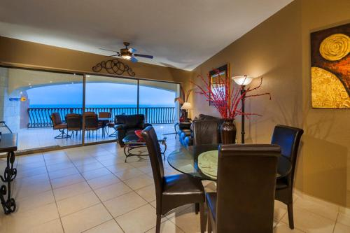 Two-Bedroom Apartment at Puerto Penasco SE 1004