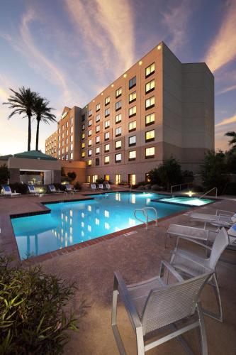 Radisson Hotel Phoenix Airport photo