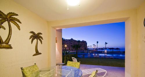 Two-Bedroom Apartment at Puerto Penasco A 106-V