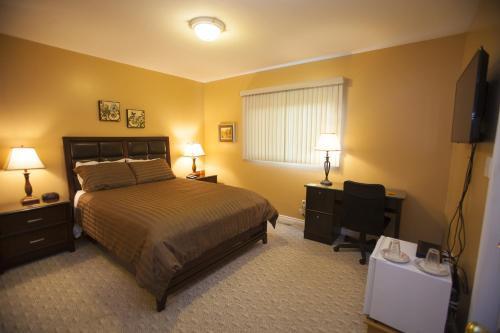 Picture of Midnight Sun Inn - Bed & Breakfast