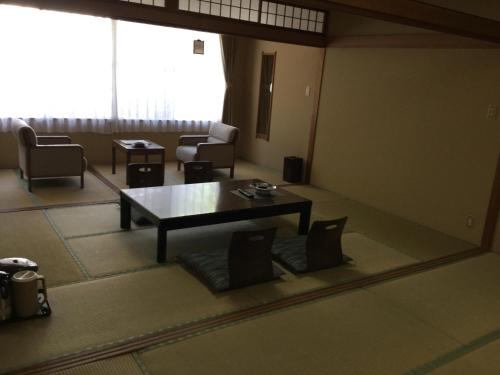 Habitació Familiar d'Estil Japonès amb Bany Compartit (Japanese-Style Family Room with Shared Bathroom)