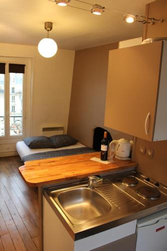 Bastille Private Apartment