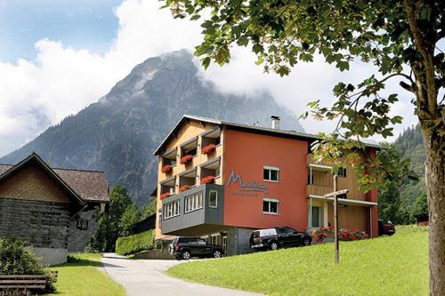 Hotel Garni Madrisa - Apartment mit 3 Schlafzimmern und Terrasse