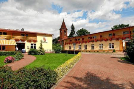 Hotels In Schonhausen Deutschland