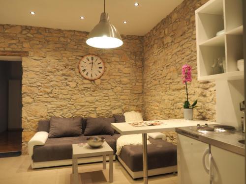 Отель Apartments Sara Amphitheater 3 звезды Хорватия