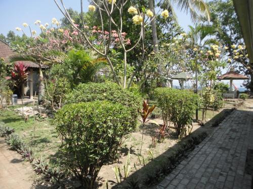 Pakuna Beach