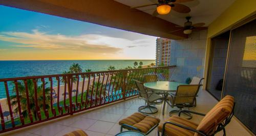 Two-Bedroom Apartment at Puerto Penasco SE 404
