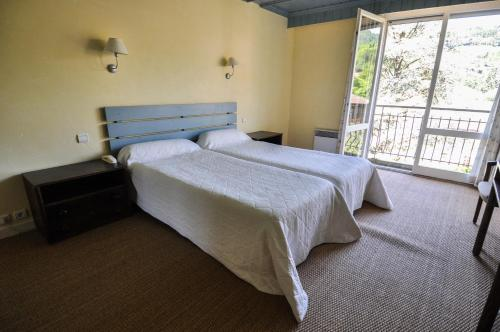 Twin/Double Room - Mountain Side