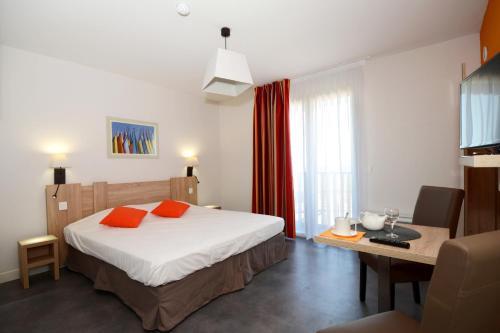 Odalys appart h tel terra gaia h tel 361 boulevard for Sete appart hotel