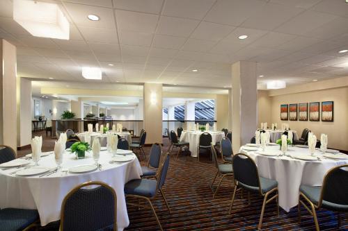 Embassy Suites Hotel Santa Clara-Silicon Valley