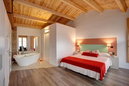 Habitación Doble Deluxe con bañera Hotel La Freixera 1