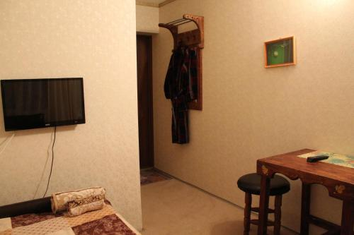 مفردة مع دش (Single Room with Shower)