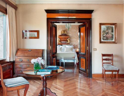 Suite Deluxe con acceso al spa y vistas al mar Hostal de la Gavina GL 4