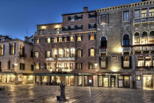 Hotel Venice Scandinavia front view
