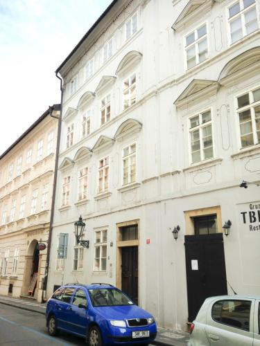 Malá Strana Apartment