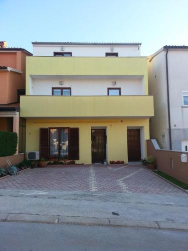 Milos Apartment
