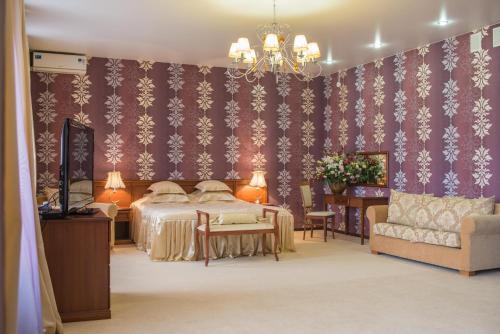 Отель Kristall Hotel 3 звезды Россия