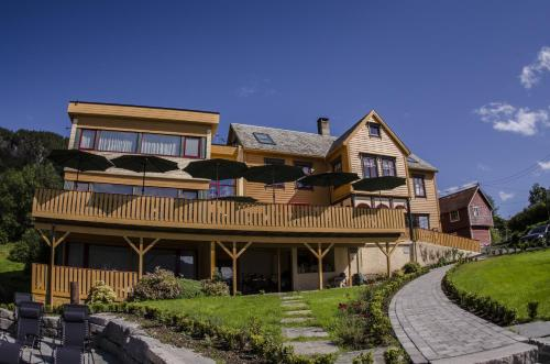 Lavik Fjord Hotel