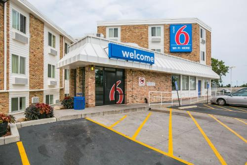 Motel 6 Minneapolis Airport - Mall Of America MN, 55423
