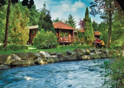 Riverside Log Cabins