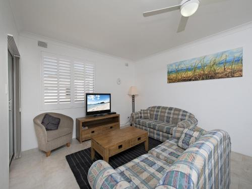 Two-Bedroom Apartment- Bay Village 18