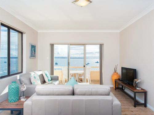 Two-Bedroom Apartment- Bay Village 6