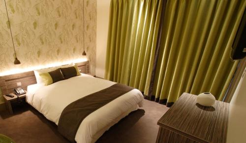 Photo of Hotel Bosco Hotel Bed and Breakfast Accommodation in Kingston upon Thames London