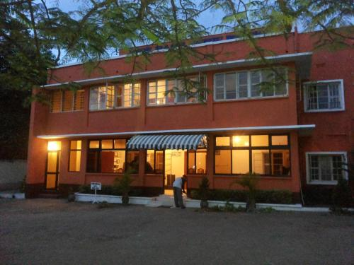 New East View Hotel