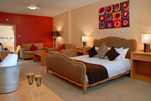 Photo of Antoinette Hotel Wimbledon Hotel Bed and Breakfast Accommodation in London London