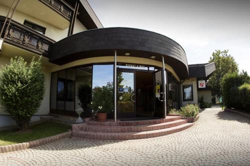 Tennis- und Freizeitzentrum Neudörfl - Apartment mit Gemeinschaftsbad