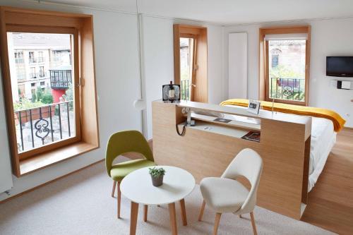 Suite Junior con vistas al jardín - No reembolsable Echaurren Hotel Gastronómico 1