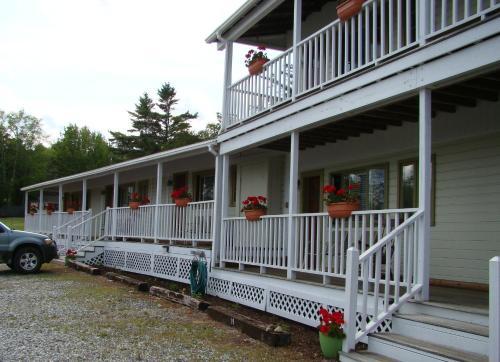 bay leaf cottages   bistro  lincolnville  me  united