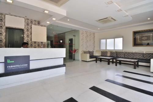 FabHotel Fatehabad Road front view