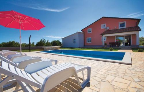 Holiday home Vosteni 28