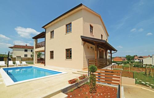 Holiday home Pazin 36 with Outdoor Swimmingpool